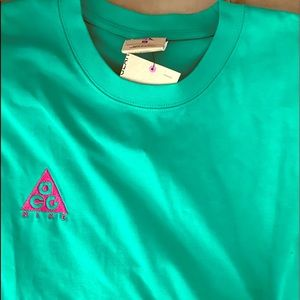 New Nike ACG Embroidered Logo T Shirt BQ7342 320